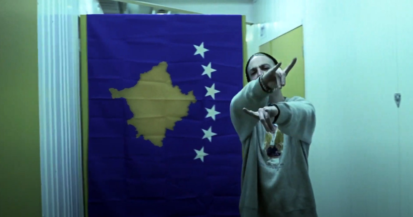 "Alex aka Basiko regresa con ""Kosovo"", visual dirigido por Bajo Vigilancia"