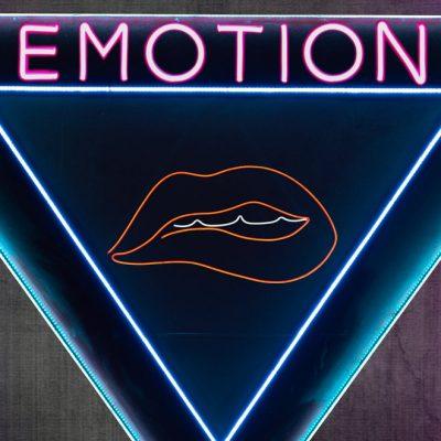 """Blanquito Smith (Sr Zambrana) presenta """"Emotion"""""""